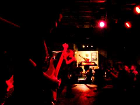 Six Feet Under In Ybor 2011 Ending Set With Cannibal Corpse Song Hammer Smashed Face
