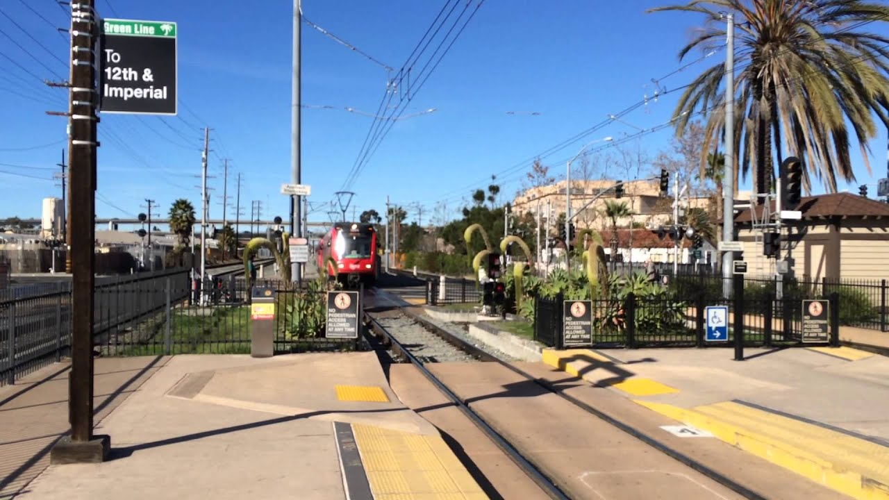 san diego trolley green line enters old town station youtube. Black Bedroom Furniture Sets. Home Design Ideas