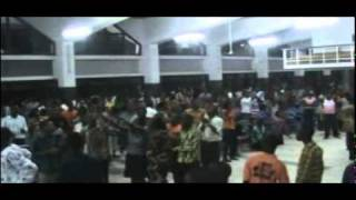 Prophet Diallo invoke Gods Power to shake the University cafeteria & heaven responds swiftly .avi