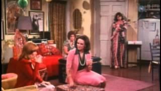 Rhoda - S01E07 - The Shower