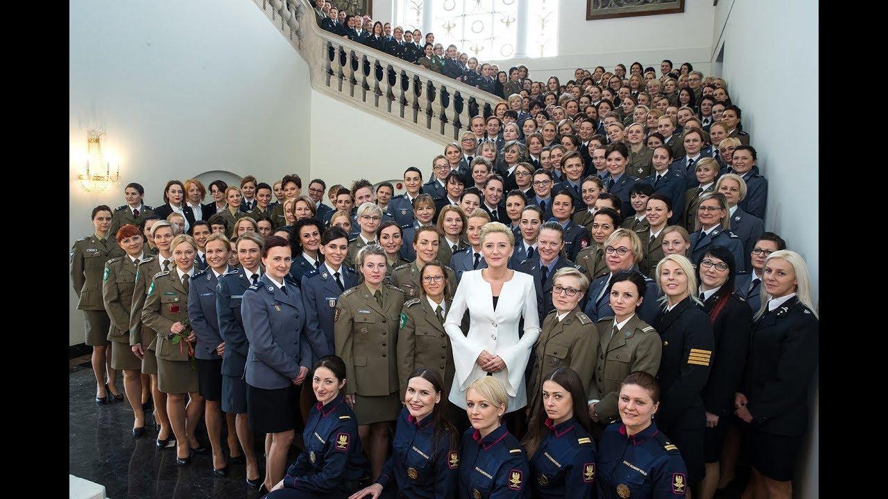 Kobiety ze służb i formacji mundurowych na spotkaniu z Pierwszą Damą