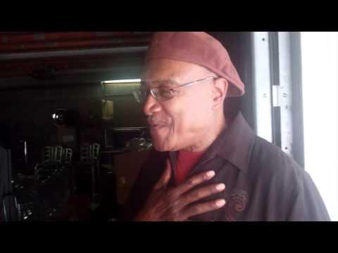 Elder Goldwire visits Houston - Clip 2 - Music World HQ
