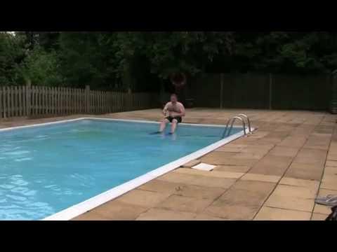 Nokia 3720 Classic - Test in piscina