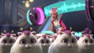 Vystřižené záběry z filmu Barbie ve hvězdách