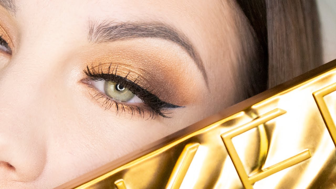 Urban Decay Naked Honey Eyeshadow Palette Review - Violet