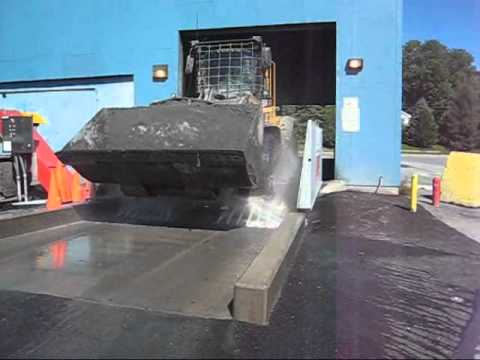 MobyDick Quick 400 C+ Volvo Loader Wash - Waste to Energy Site - Ash Soiling