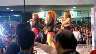 4minute in philippines (megamall)100206