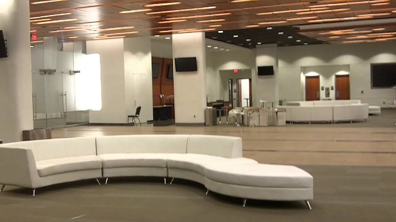Bunker suite preview in the superdome youtube for Mercedes benz superdome suites