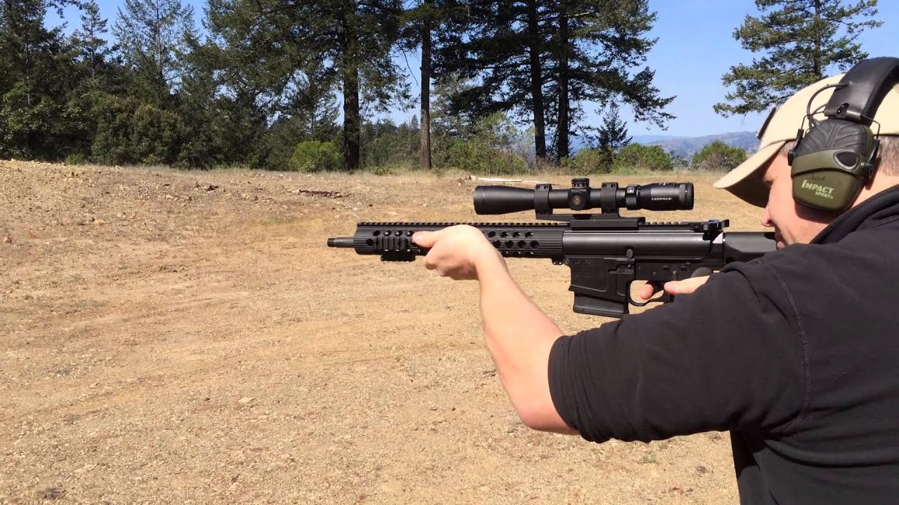 AR10 with no muzzle brake