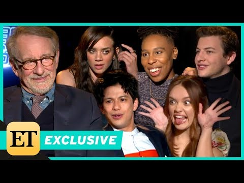 'Ready Player One' Cast Hilariously Puts Their Steven Spielberg Knowledge to the Test!