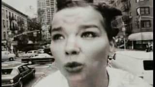Björk - Big Time Sensuality (Spanish - Español / English lyrics on screen)
