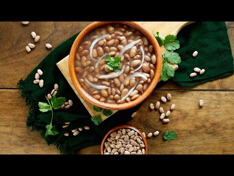 Como Hacer Frijoles de la Olla (How to Make Mexican Beans in a Pot) | Muy Bueno