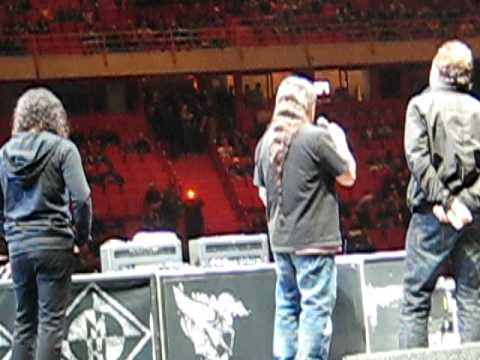 Metallica cancels show live in Sweden, Stockholm the globe / globen 2009 03 08 entire speech
