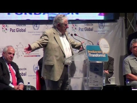 """Mujica: """"No soy pobre un carajo"""""""