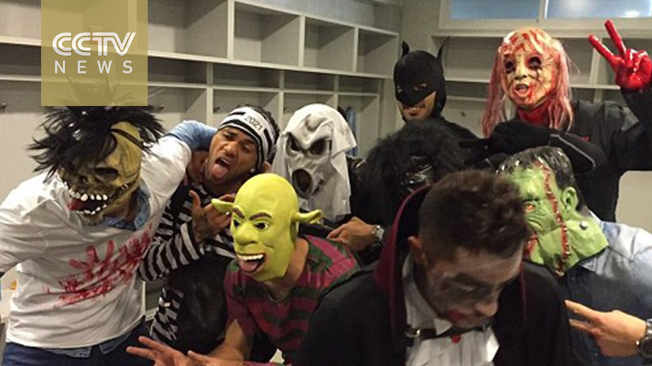 barcelona apologize for players halloween prank