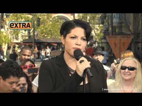 "Sara Ramirez on Extra ""The Story"""