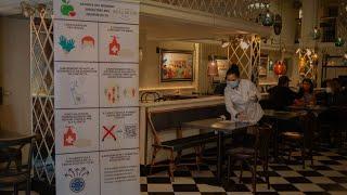 Sanidad recomienda cerrar el interior de los bares en zonas de alto riesgo