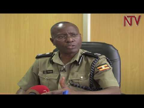 Police arrests two finance ministry officials for soliciting bribes from investors