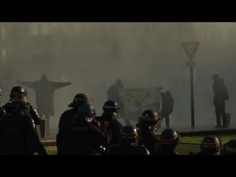 Heurts lors de la manifestation à Nantes en soutien aux zadistes