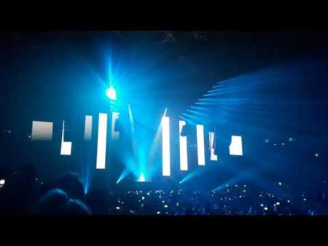 Armin van Buuren Intro 2018 - Fun radio ibiza expérience 2018 - Accor Hotels Arena - 27/04/2018
