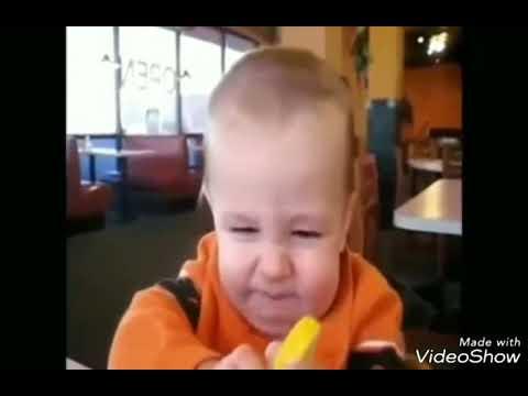 Vidio lucu anak kecil makan jeruk