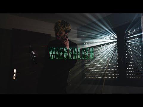 Смотреть клип Antiheld - Wiegenlied