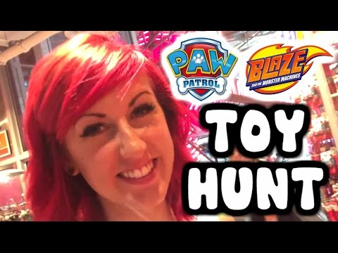 PAW PATROL & BLAZE And The Monster Machines TOY HUNT At New York City Toys R Us