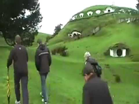 A visit to Hobbiton (Matamata, New Zealand) with Ethan Gilsdorf