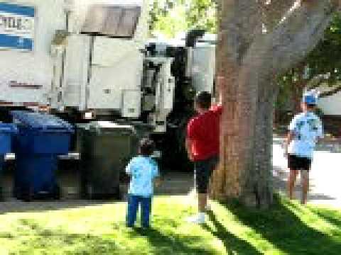 Garbage pickup sacramento 09
