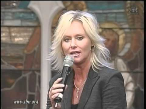 Tammy Trent - The Edge Of The Water.wmv
