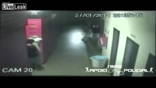 VIDEO: Brazilian na lalaki, nakipag-sex sa mannequin sa isang shopping mall!
