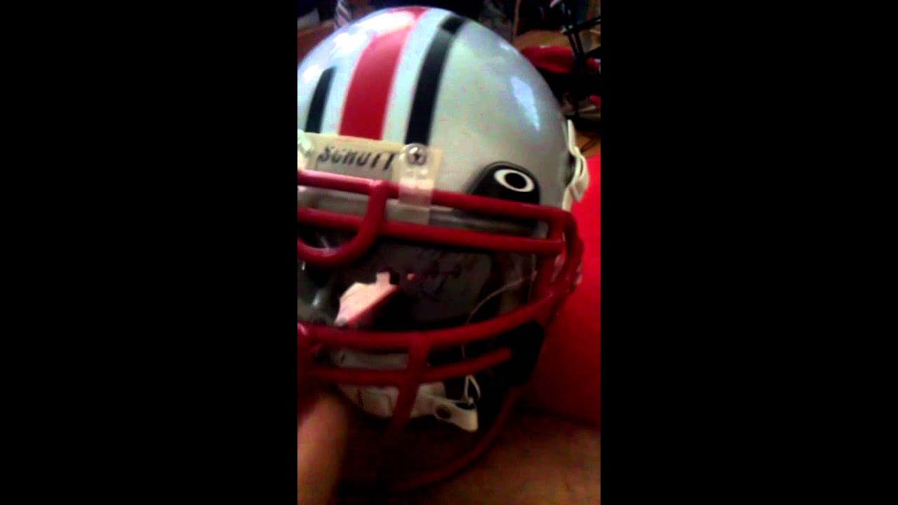 91642711 60 % Oakley football visor - YouTube