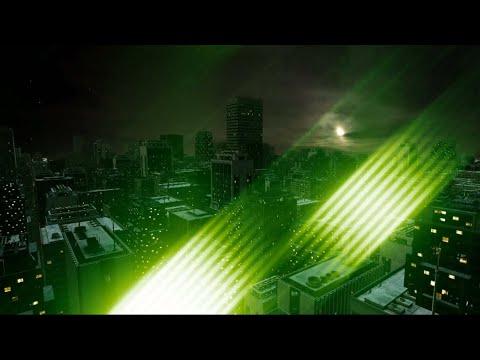 Футаж HD. Переход - зеленые блики, на черном фоне