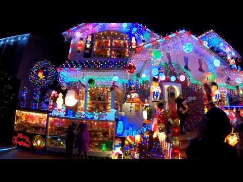 The Ace & TJ Show - The ULTIMATE Christmas Light Display