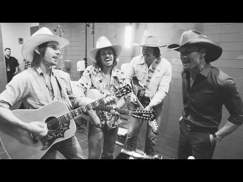 "Backstage at Soul2Soul: Tim McGraw and Midland cover Alabama ""Dixieland Delight"