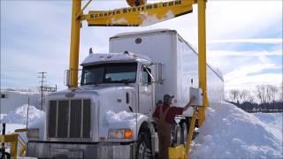 Как почистить снег с крыши трейлера. Дальнобой по США