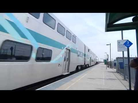 Amazing High speed Amtrak/Metrolink and BNSF at Commerce Metrolink (Feat BNSF 7695)