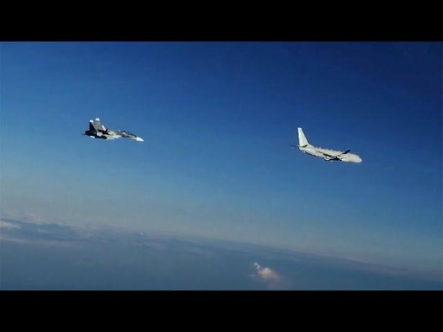 Российский МиГ-31 сопроводил американский бомбардировщик, который летел к нашей госгранице.