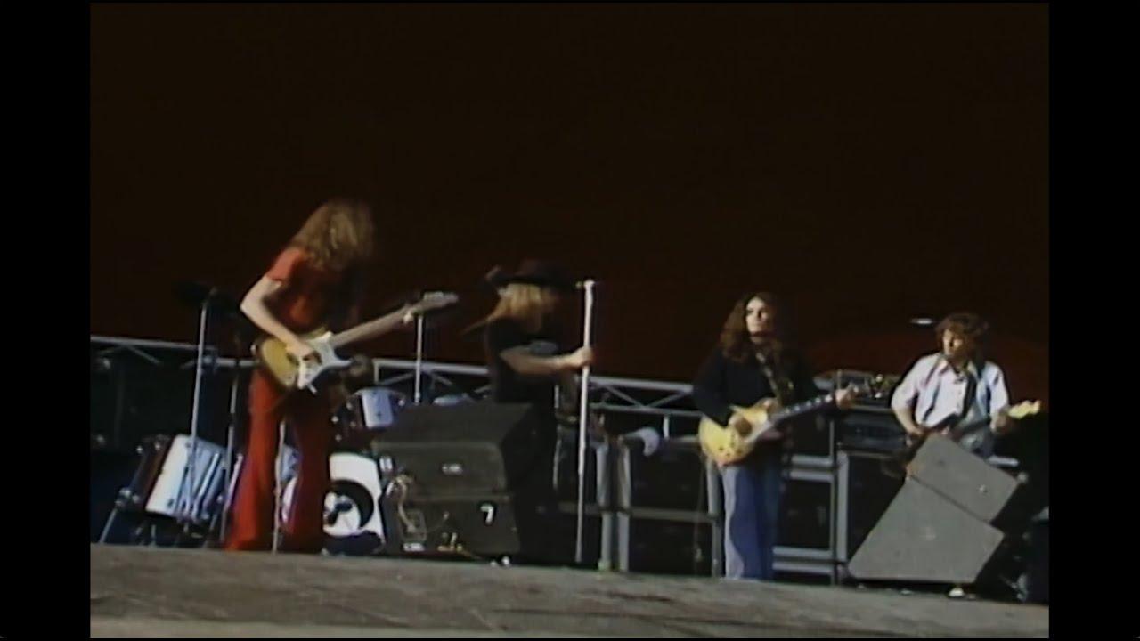 Download Lynyrd Skynyrd - Sweet Home Alabama (Live at Knebworth '76)