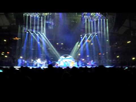 garth-brooks-with-trisha-yearwood-world-tour-chicago-11-the-thunder-rolls