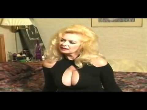 Mature woman seduces
