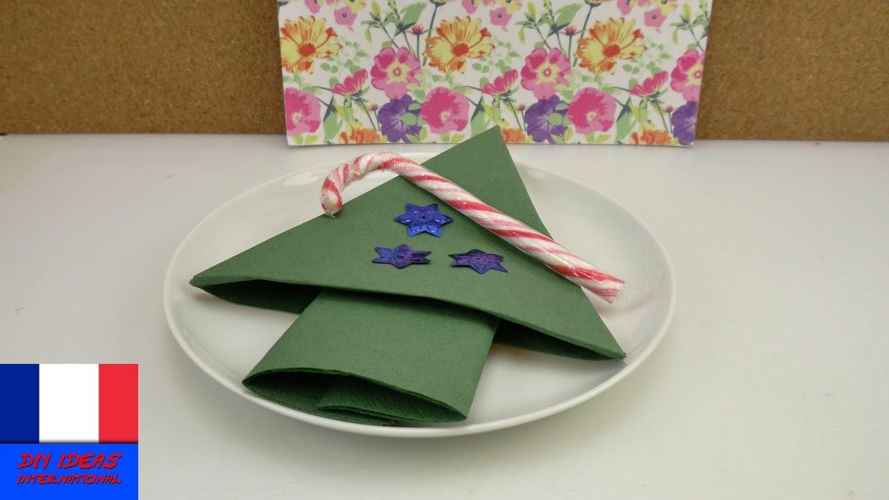 Plier les serviettes pour no l faire un sapin facilement - Pliage de serviette en papier noel ...