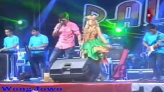 Video Tasya Rosmala & Gerry -  Antara Senyum Dan Perang download MP3, 3GP, MP4, WEBM, AVI, FLV Desember 2017