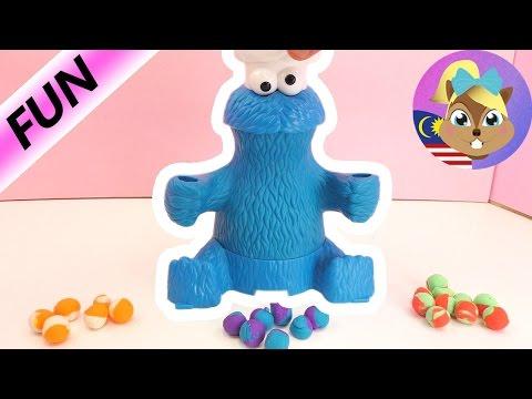 Playdoh dan Cookie Monster- dari mainan Playdoh mesin gula-gula- kita akan guna banyak tanah liat