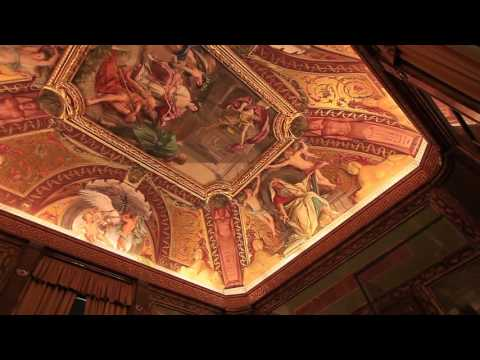 Vatican  Crucifix museum พิพิธภัณฑ์ไม้กางเขนโบราณ กับรูปภาพบนเพดานที่สวยงามอลังการณ์
