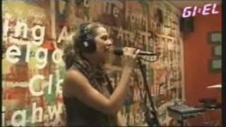 Nikki - Bring Me Down [Live @ Giel Beelen] Thumbnail