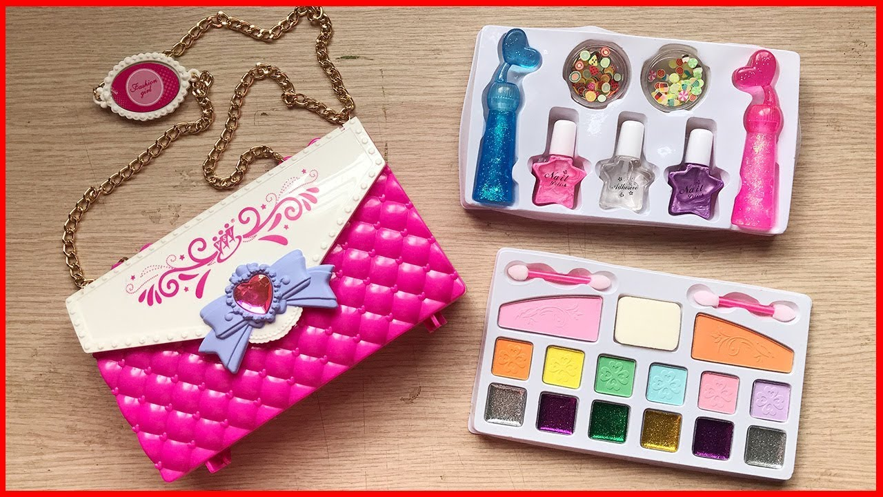 Đồ chơi trang điểm búp bê cho bé, có son phấn, sơn móng tay, túi xách… Makeup toys (Chim Xinh)