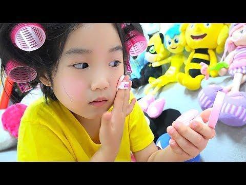 보람이의 화장가방 장난감 메이크업 놀이 Boram Pretend Play Dress Up and New Make Up toys
