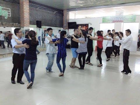 Khieu vu newween nha trang HLV Khánh Minh