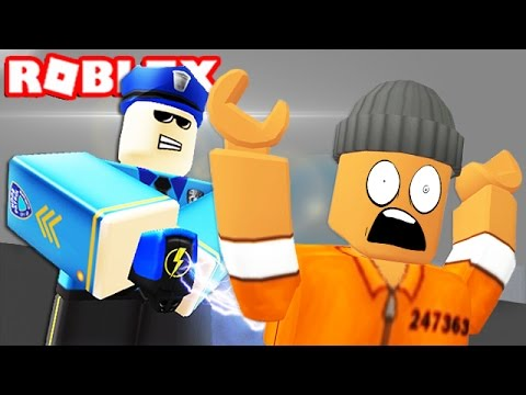BECOMING A POLICE OFFICER IN ROBLOX